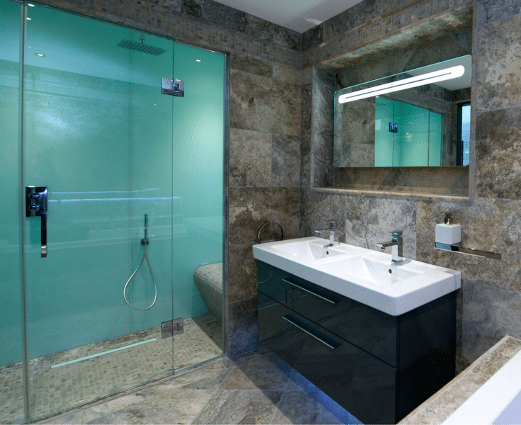 Luxury market shower wall panels in a high gloss look | Innovate Building Solutions | Innovate Builders Blog | #BuildersBlog #HighGlossShower #GlossyLook #BathroomIdeas