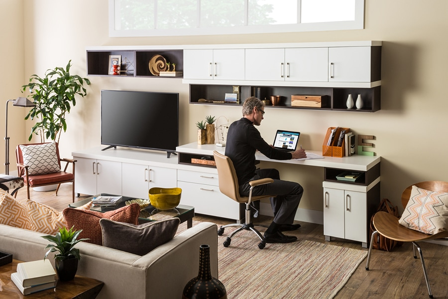 Custom home office and desk systems Columbusl | Innovate Building Solutions | Innovate Builders Blog | #HomeOffice #DeskSystem #ColumbusOffice #HomeOffice