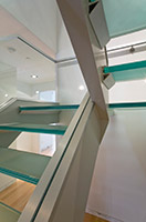 Glass stair support