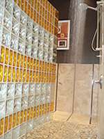 Glass block radius wall with two sizes