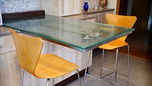 .5 inch ultra clear cast glass breakfast table with Fizzie Texture