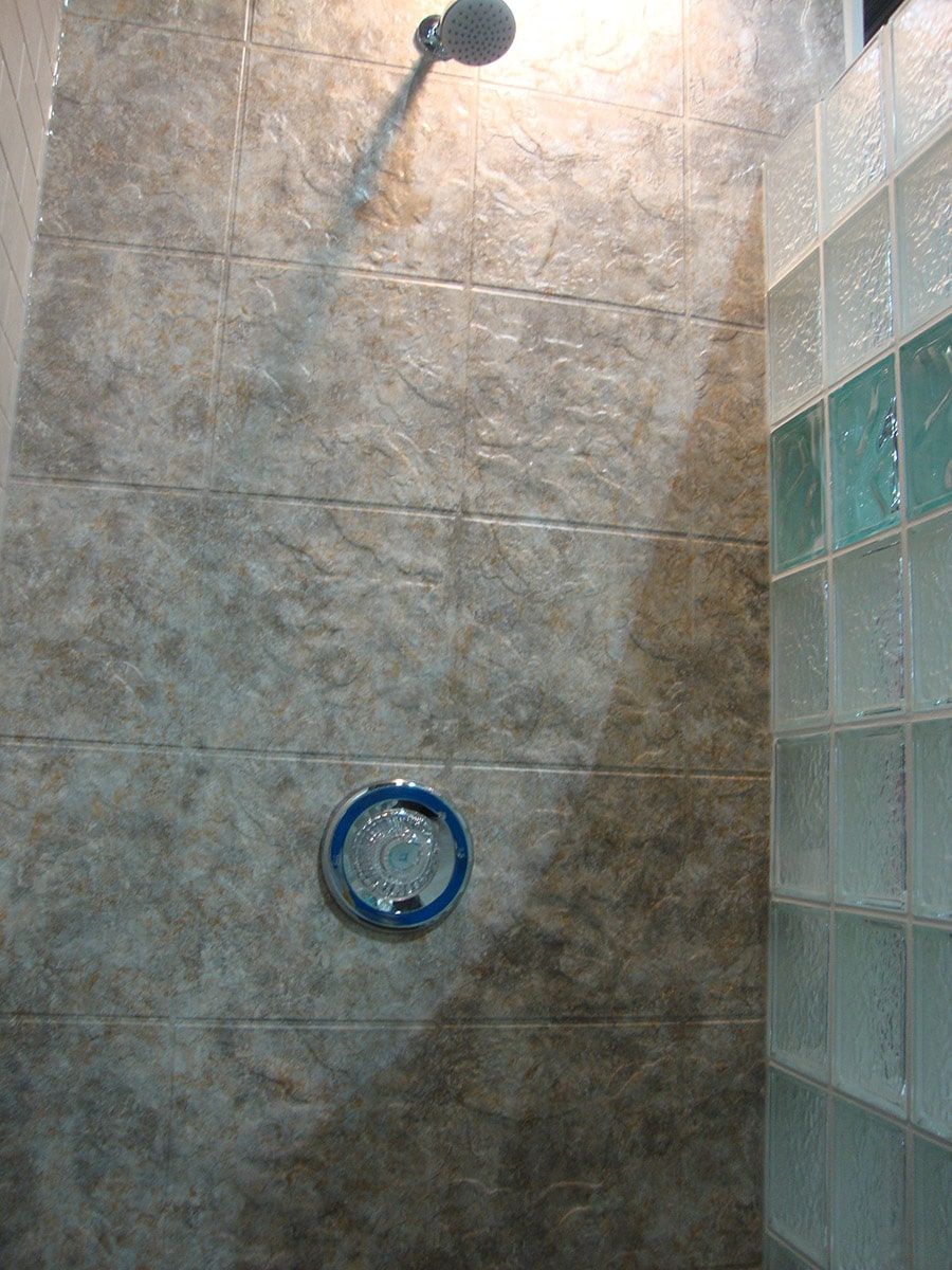 Colored textured acrylic shower wall surrounds_ | Innovate Building Solutions | #CheapAcrylic #ShowerPanels #LowGradeShower